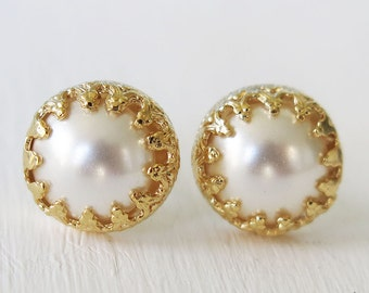 Pearl earrings, gold studs, gold pearl earrings, swarovski pearls, white earrings, round earrings, white pearl earrings, pearl jewelry
