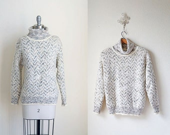 Vintage Sweater/Chevron Knit/ Faint Zag Sweater