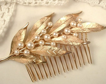 TRUE Vintage Pearl Brushed Gold Leaf Bridal Hair Comb, Designer TRIFARI Autumn Wedding Large Hairpiece, Rustic Country Woodland Head Piece