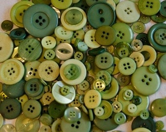 100 Green Button Mix - KIWI MIX -  Assorted Buttons, Crafting Jewelry Collect (1599)
