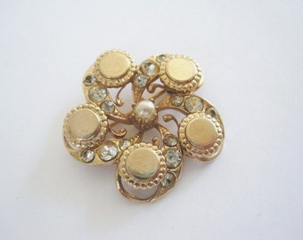 Vintage Gold Tone Round Shiny Button Brooch with Faux Pearl and Clear Rhinestones