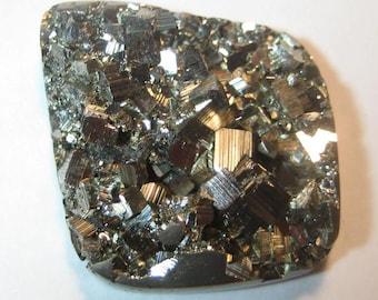 Pyrite Druzy    cab   .....  32 x 26 x 6 mm    .....                    a4704