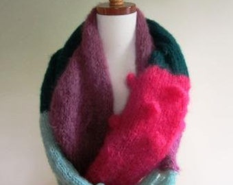 Cowl Mohair Long Scarf Color Block Hand Knit Infinity Pink Green Mod  – Size Large