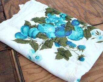 Vintage Tablecloth // 50s Blue Fruit and Floral Print Fabric // Vintage Linens