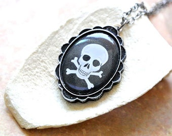 Skeleton Jewelry, Scary Jewelry, Halloween Jewelry, Skull Necklace, Halloween Gift, Black Necklace, Skull Jewelry,