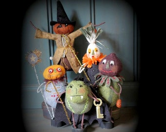 Trick or Treaters Group 4 E-PATTERN for Halloween by cheswickcompany