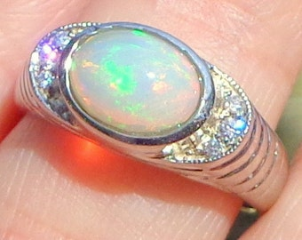 Sz 8, Ethiopian Opal, Sterling Silver, Natural Gemstone, Edwardian Style, Peach, Green, Yellow Color Play Opal