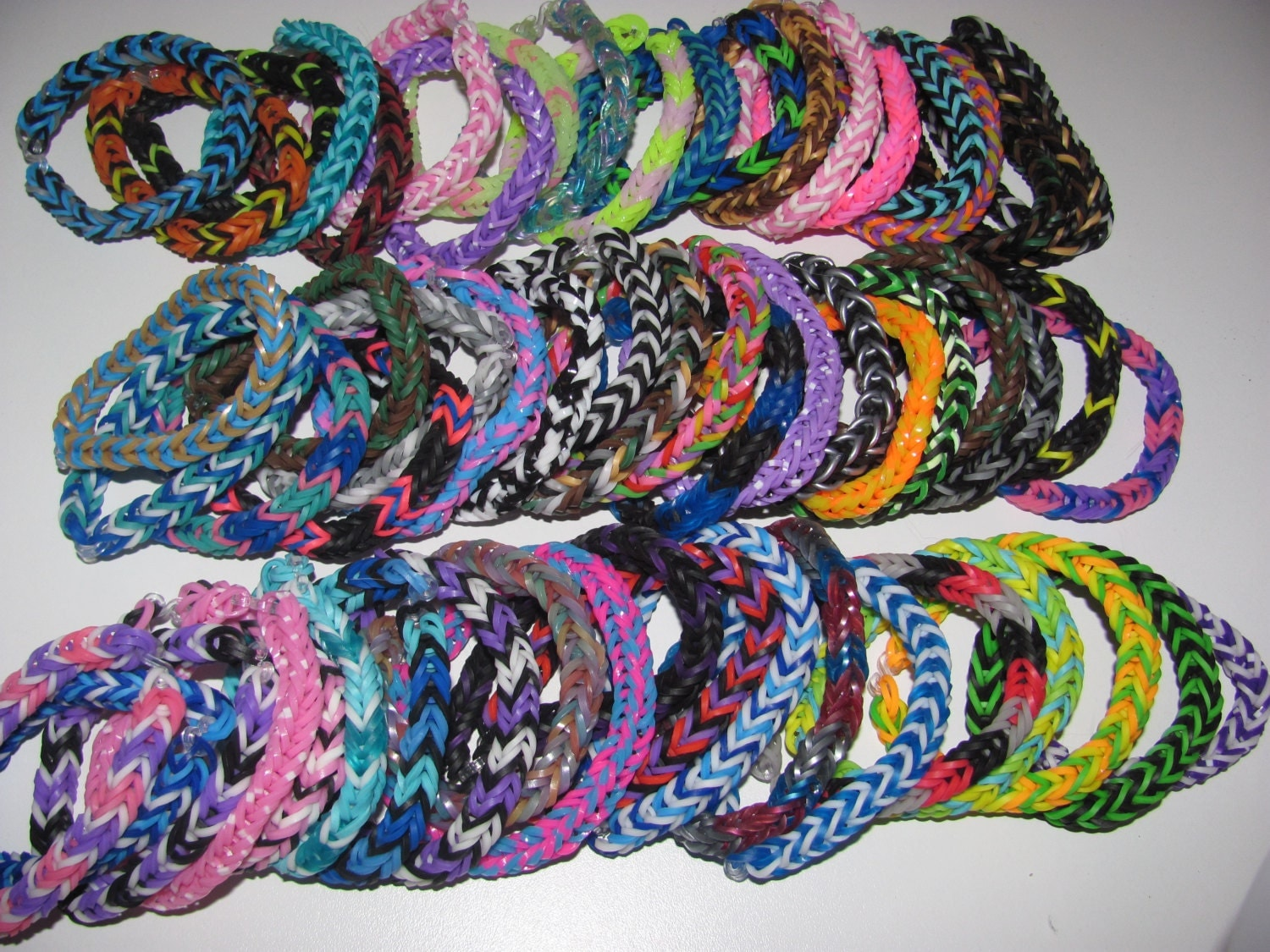 Rainbow Loom rubber band stretch bracelet lot of 60 fishtail