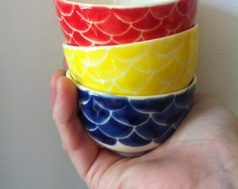set of 3 small fish scale serving bowls, navy blue, yellow and red nautical, housewarming gifts, summer entertaining