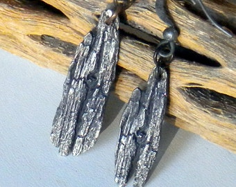 THE DREAM CIRCLE . wabi sabi fine silver one of a kind juniper bark double sided imprint . earrings - sale