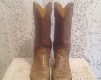 1970s vintage, taupe ostrich grain on cowhide, Dingo, western cowgirl boots women's 7 1/2 USA Made
