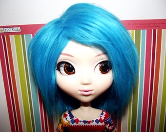 Bright blue faux fur wig for Pullip / Taeyang