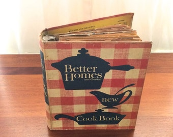 Vintage Better Homes and Gardens New Cookbook Binder with Retro Pictures 1960s