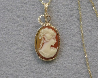 Vintage Cameo and Gold-filled Wire Pendant