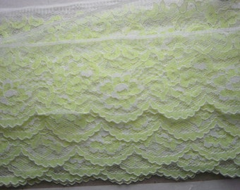 Lace White and Lite Lime Green Lingerie Lace 2 1/2 inches Wide Slips Sweater 5 yds 1178