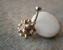 Peace lily flail belly button ring