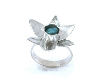 Turquoise Narcissus Ring in Size 7 - December Birthstone and Birth Flower in Sterling Silver - Daffodil Flower Ring -  Turquoise Ring