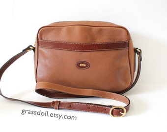 Vintage Bally Tan Color Pebble Leather Cross Body Purse, Shoulder Bag, Made in Italy, Item No 72914