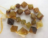 Natural Agate Brown Yellow Faceted Diamond Graduated Beads