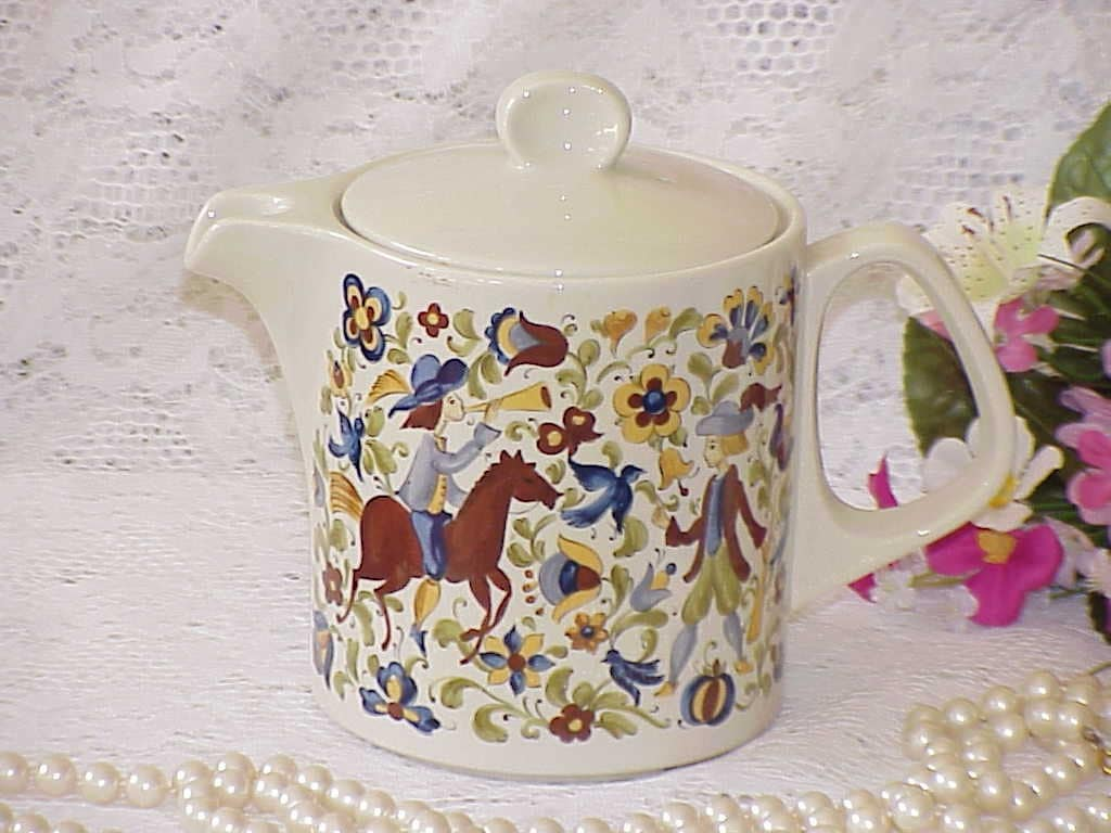 sale vintage villeroy boch teapot luxembourg by. Black Bedroom Furniture Sets. Home Design Ideas