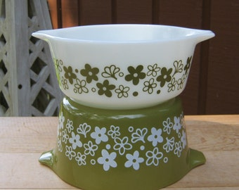 Pair of Pyrex Crazy Daisy Casseroles - 1 Quart and 1 1/2 Pint Size - Spring Blossom