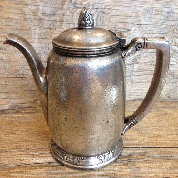 Vintage silver plate teapot from the waldorf astoria nyc for Waldorf astoria antiques