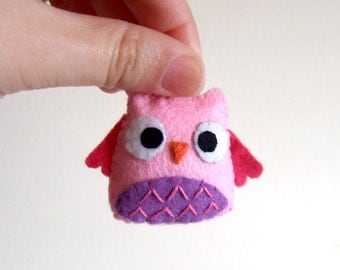 Very pink and purple owl keychain