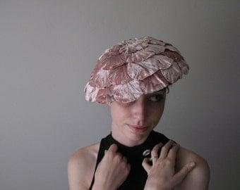 1950's Pink Velvet Petal Pillbox Hat