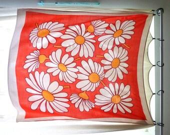 White Flower  With Orange Table Linen