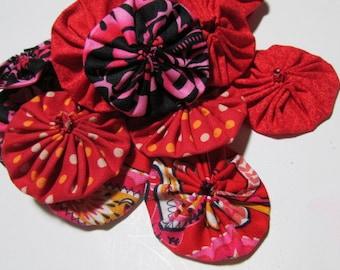20 Yo Yos -  Red, Orange, Pink Multi color Mix for crafting, Suffolk flower puffs