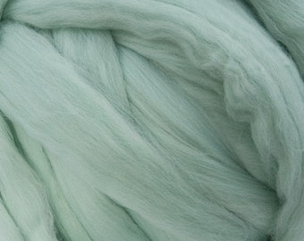 Merino Wool Roving - 21.5 micron - Mint - 4 ounces