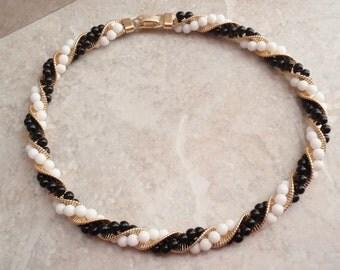 Napier Beaded Choker Black White Gold Twisted Necklace Vintage V0176
