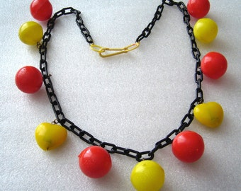 DISCOUNTED 20% !!!Vintage early plastic light weight balls and hearts necklace