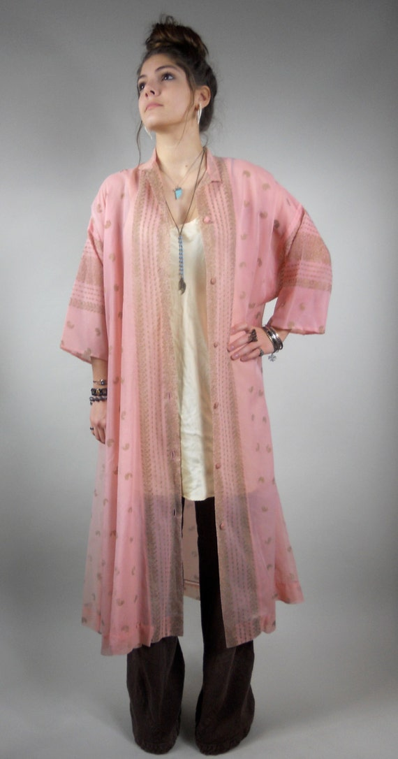 Vintage 50s / 1950s  Caftan / lingerie / loungewear / Dressing Gown in Pink Paisley by I. Magnin
