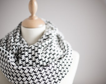 Houndstooth Infinity Scarf Versatile Cowl chunky Loop cowl Black White Circle neutral scarf Modern Minimalist