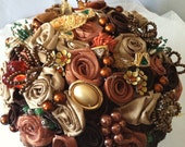 Fall brooch bouquet