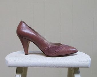 Vintage 1980s Shoes / 80s Bruno Magli Mauve Leather Pumps / Size 8 1/2 AA US