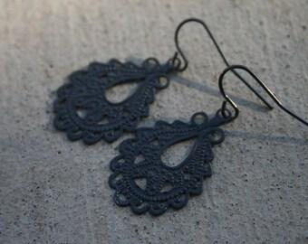 Finley Earrings in Charcoal Grey