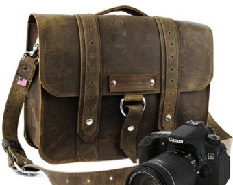 "15"" Distressed Tan Sonoma Voyager Leather Camera Bag -"