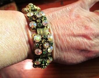 Divine Signed FLORENZA Prong-Set Victorian Revival Etched Book Chain 24k GOLD PLATED Vintage Rhinestone Etched Bracelet