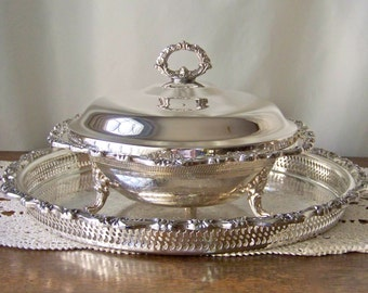 Vintage Covered Serving Dish Serving Tray Silver Plate Serving Casserole High Quality Silver Plate Serving Pieces Fine Dining Vintage 1980s