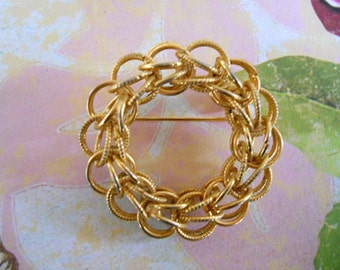 Double Rope Circle Brooch