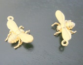 Matte gold tarnish resistant Tiny Small Bumble Bee Charms, connectors, pendants, 2 pc, U210602