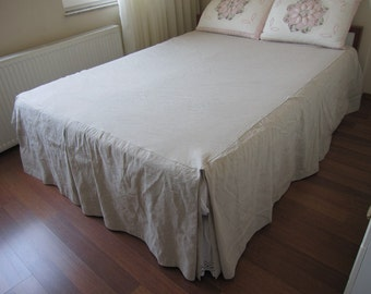 Split corner linen bedspread,box pleated skirted coverlet 22 32 drop bed spread Queen king Oatmeal Turkish Odemis fabric-country style