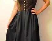 Vintage Salzburger Dirndl Dress  - Austrian Women OKTOBERFEST Waitress Hostess DIRNDL