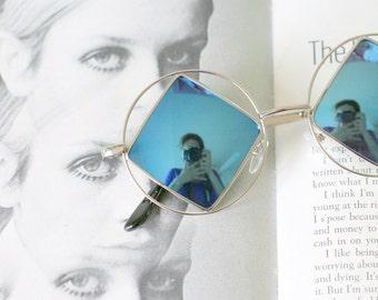 1990s BLUE DIAMOND Sunglasses..mirrored. triangle lens. rudeboy. retro sunglasses. golden sunglasses. hippie. boho. urban. hipster.
