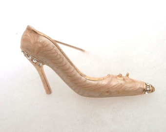 18K Gold Layered Cream Enamel Shoe Pin Brooch