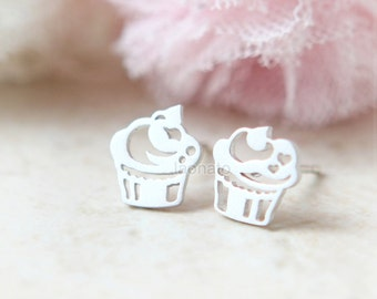 Cupcake Earrings / choose your color, gold and silver