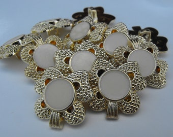 "11 Gold Clover with Cream Center Shank Buttons Size 7/8""."