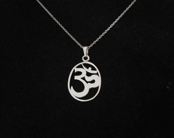 Om Ohm Aum BUDDHA oval sterling silver pendant + 925 S/S necklace chain, yoga necklace